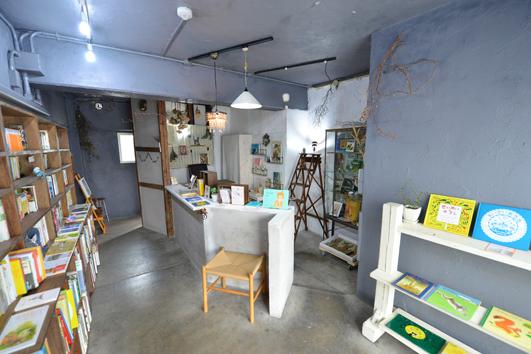 コトリノ・古書店店内